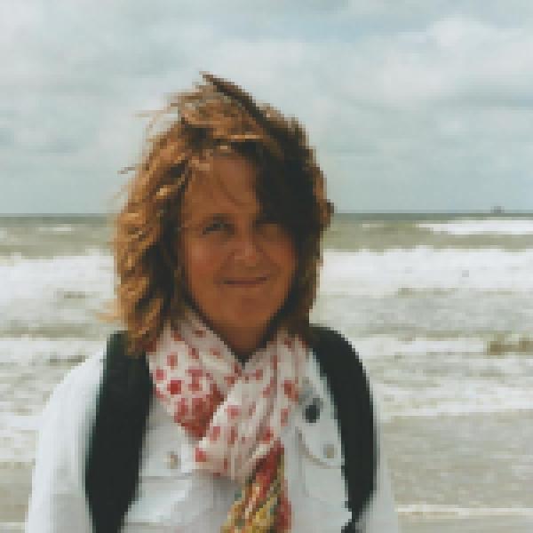 Jacqueline de Vries - van Es